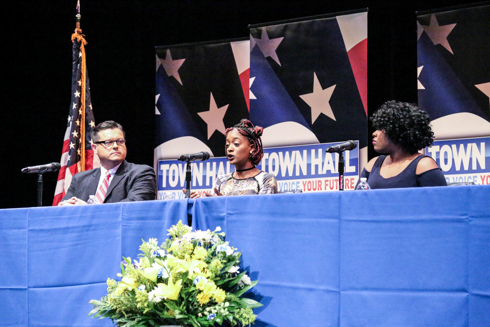 Howard Townhall 6|12|17-10.jpg