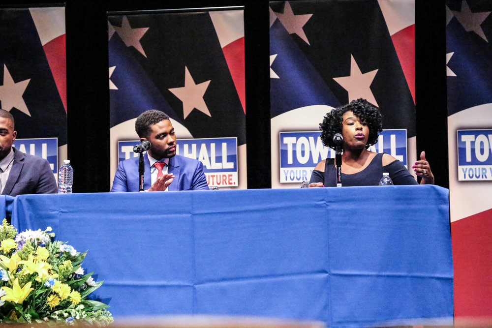 Howard Townhall 6|12|17-14.jpg
