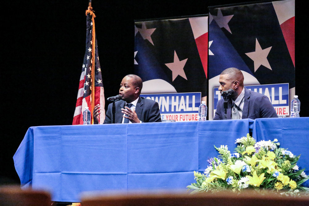 Howard Townhall 6|12|17-15.jpg