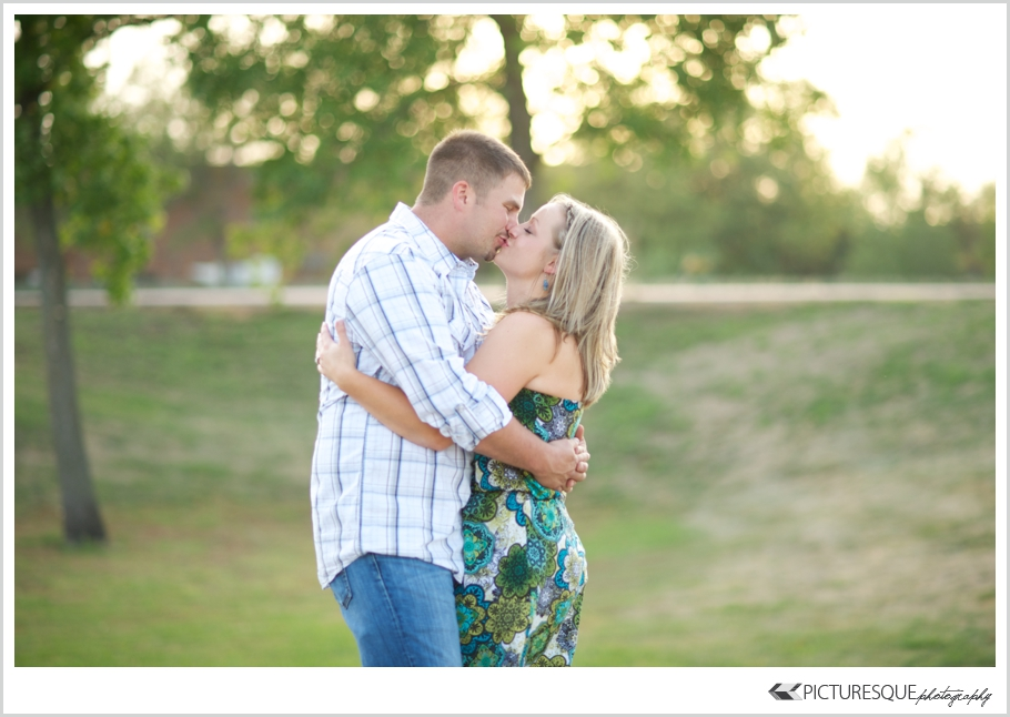 south dakota engagement photographer