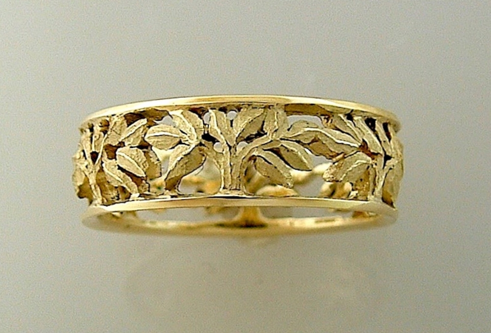 #R282 Narrow Textured Leaves, Pierced Band