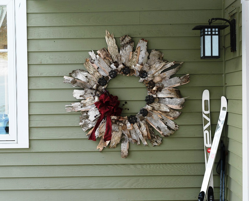 Another popular DIY NETWORK project. A birch bark wreath. So easy to make.