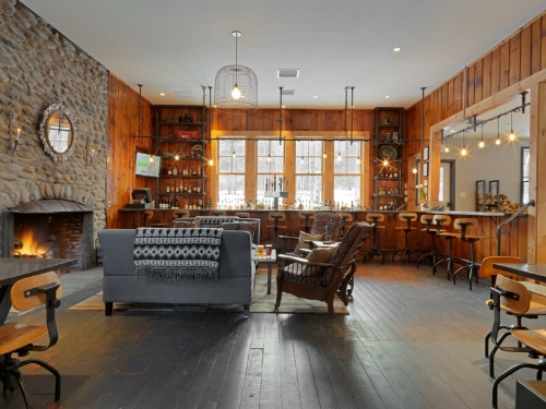 Pub at Mad River Barn. Voted Best 7 Ski Hotels by Outside Magazine, 2016. Photo by Susan Teare. Design by Joanne Palmisano