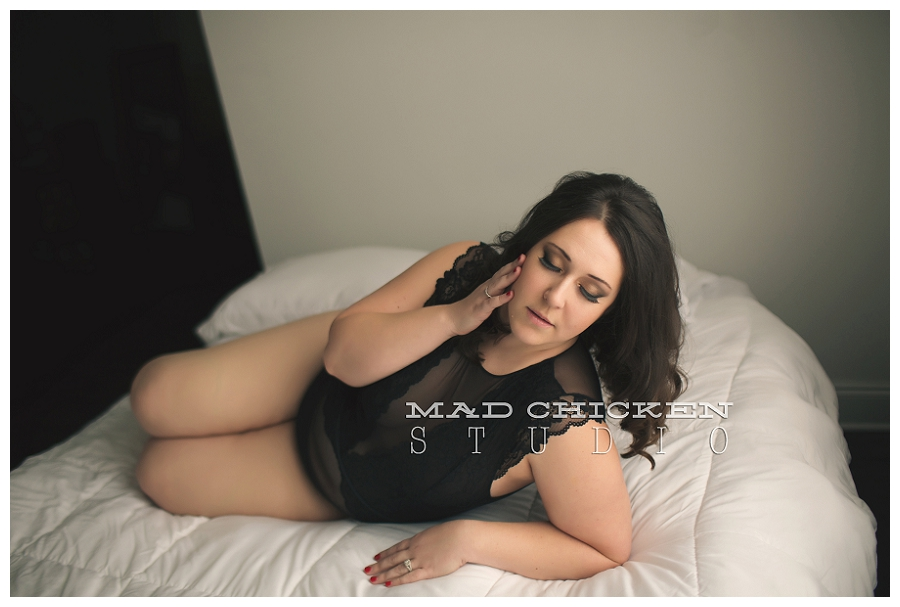 duluth, mn premier boudoir photographer | jes hayes with mad chicken studio | tiffany boudoir photography session