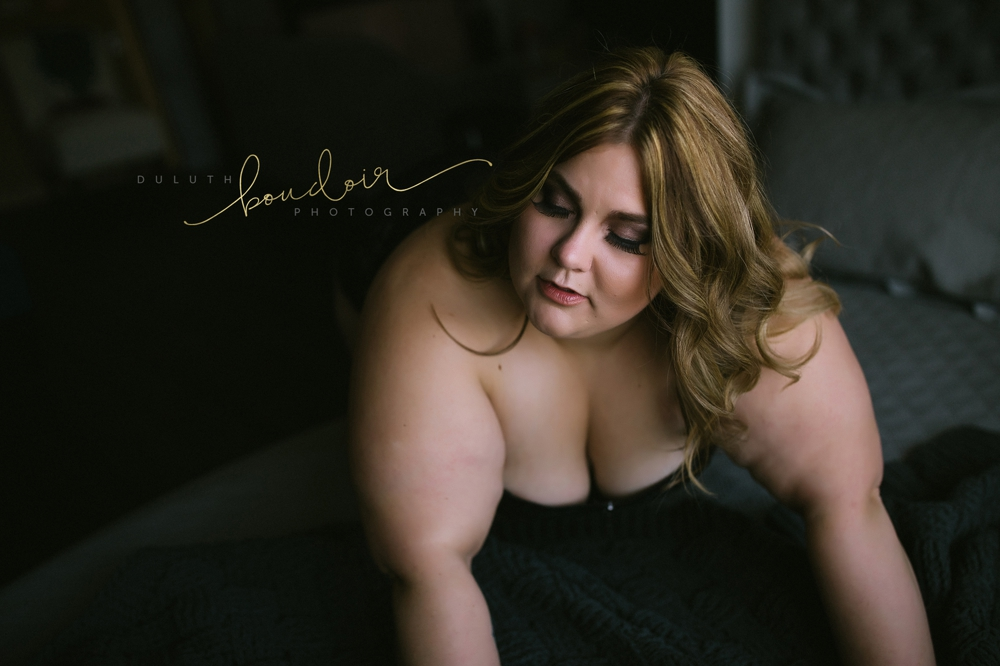 Curvy Boudoir Photography in Duluth, MN