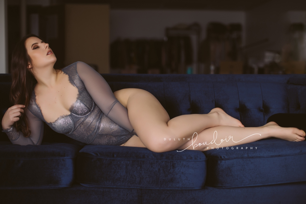 Duluth Boudoir Photography by Mad Chicken Studio || Boudoir Photography || Duluth Boudoir  #duluthboudoirphotography #duluthboudoir #madchickenstudio #madchickenstudioboudoir