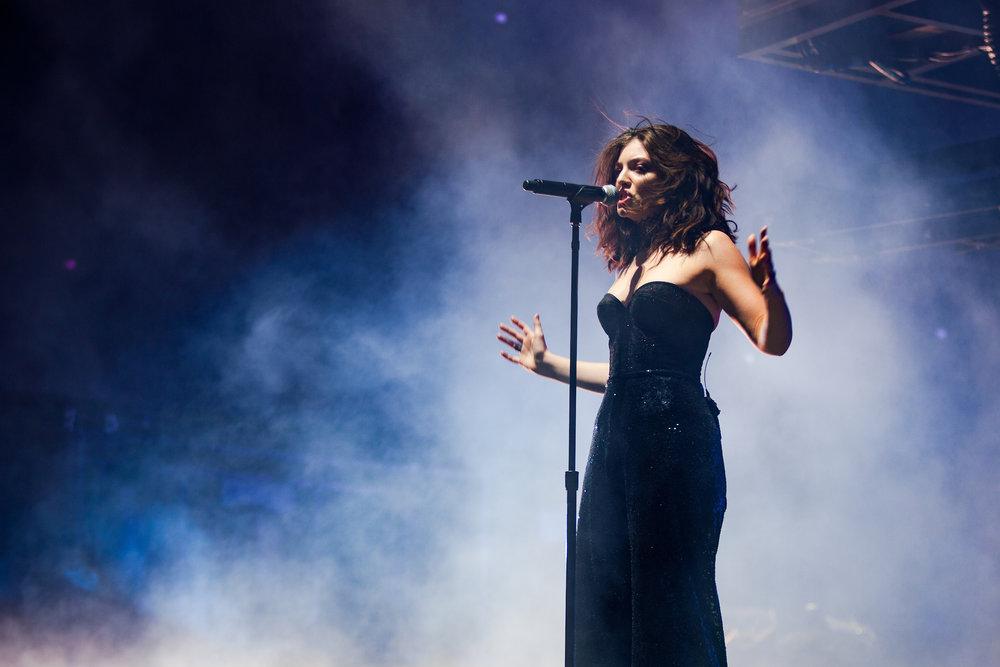 Lorde_Auden Bui_Coachella_F0375464.jpg