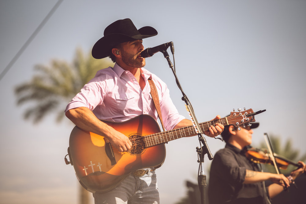 Aaron Watson, Mane Stage, Stagecoach 2018 Sunday.sb-1eb2d926-dh3daE.jpeg