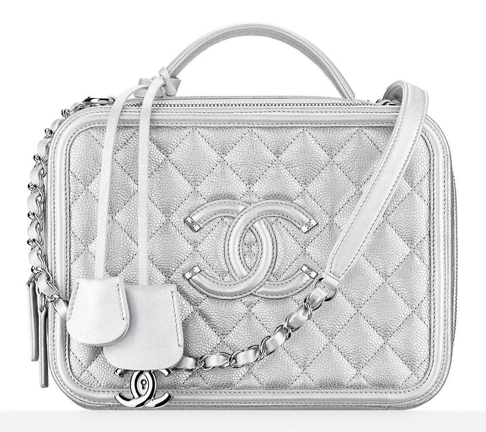 Chanel-Metallic-Vantiy-Case-4200.jpg