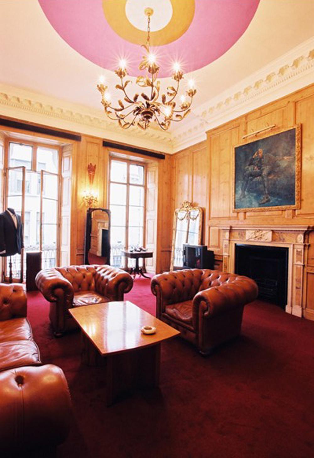 bespoke lounge.jpg