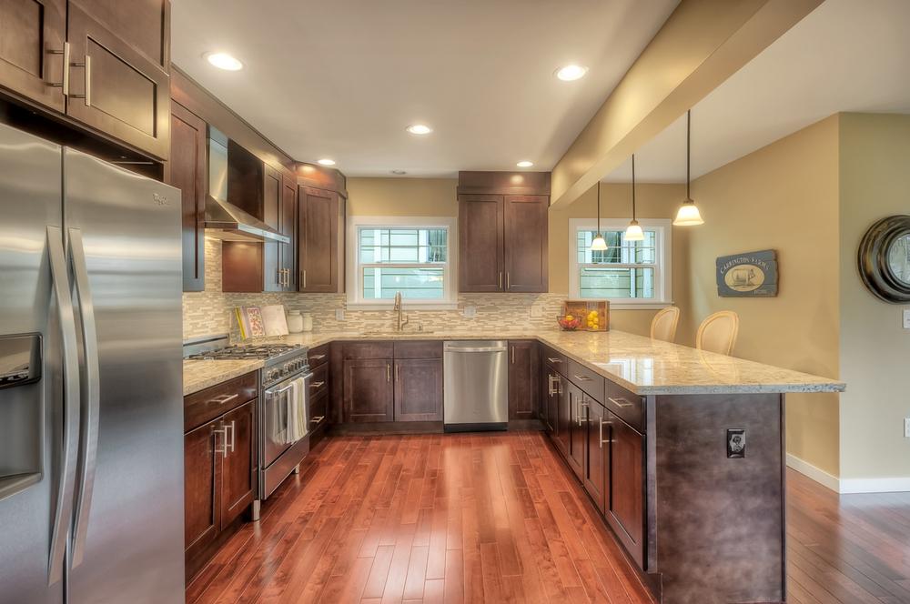 mt baker 7 kitchen.jpg