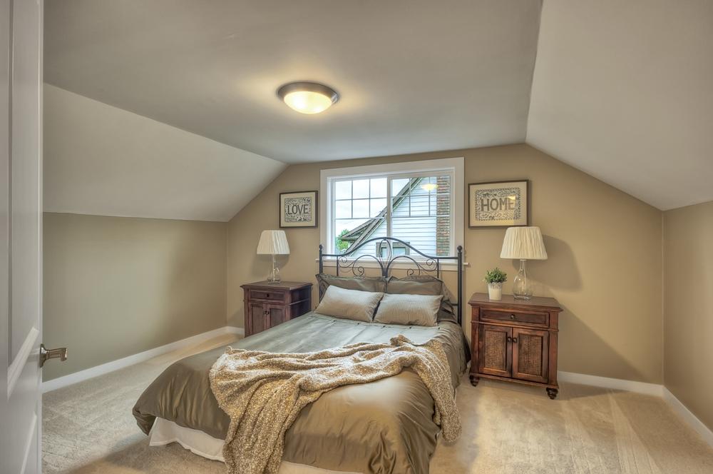 Mt Baker 16 bedroom.jpg