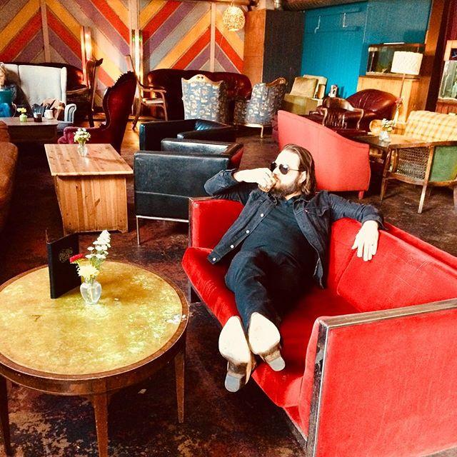 Resident #hamsteak 😍 . . . . . . #makenomistake #makehamsteak #love #theaux #dieblonde #dieblondeband #onlythegooddieblonde #liefastdieblonde #austinmusic #texas #atx #photoshoot #fashion #pantone #color #art #sip #weekend #party #chill #bandpractice