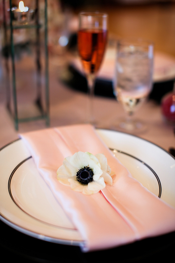 Photo by: Jasmine Star | Venue: Richard Nixon Library | Napkin provided by: Glow Concepts Fine Linen