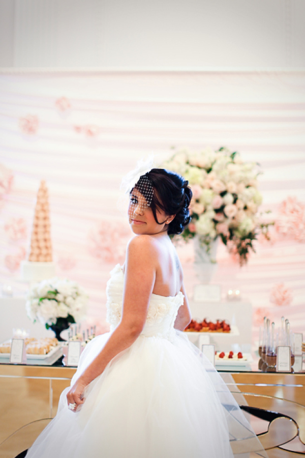 Photo by: Jasmine Star | Venue: Richard Nixon Library | Backdrop provided by: Glow Concepts Fine Linen