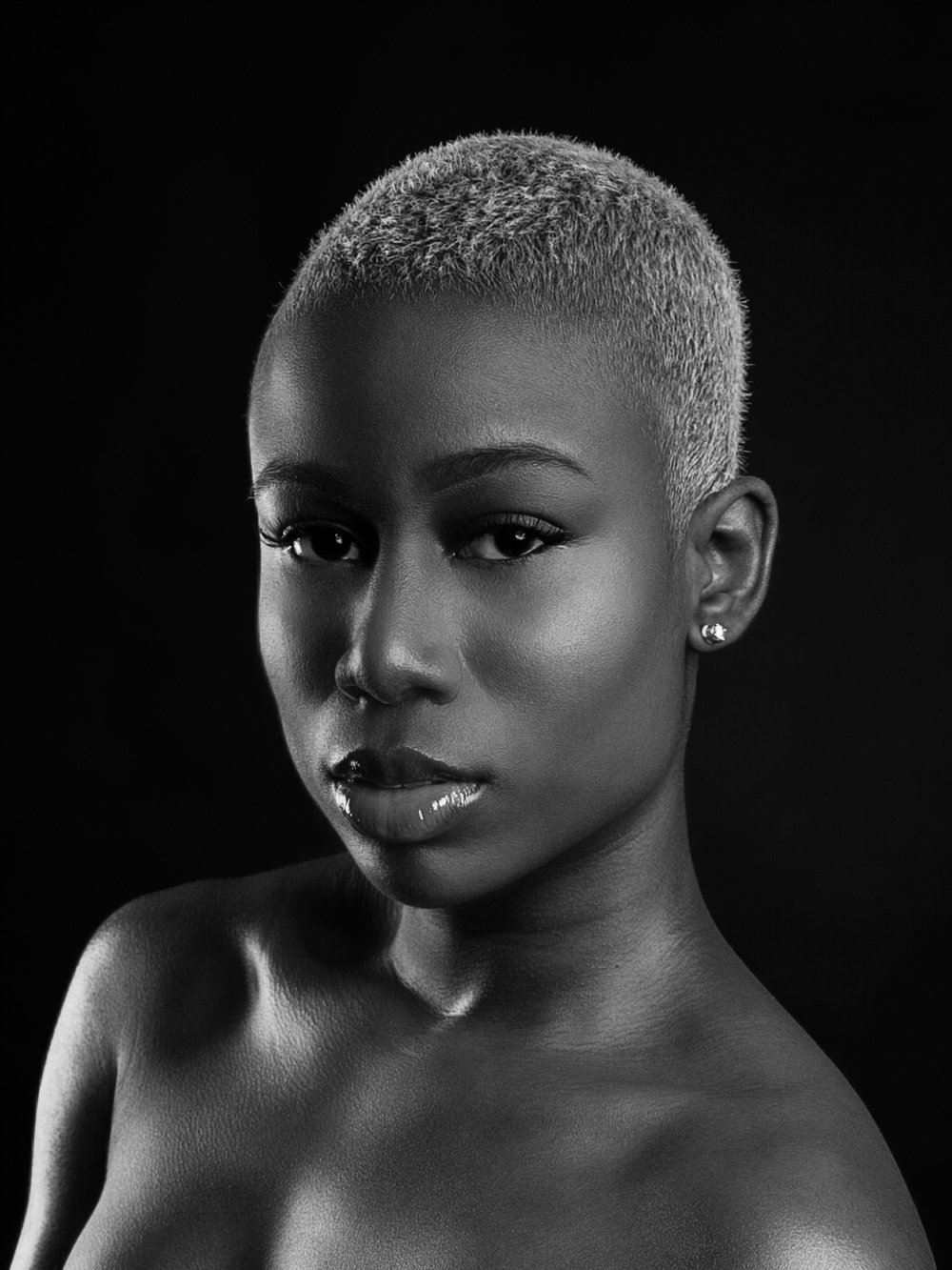 """Monochrome Muse"" Series w/ Model @bald_bobshell   