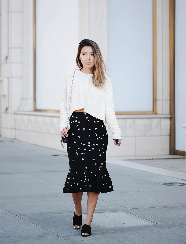 star-skirt-cream-sweater-1.jpg