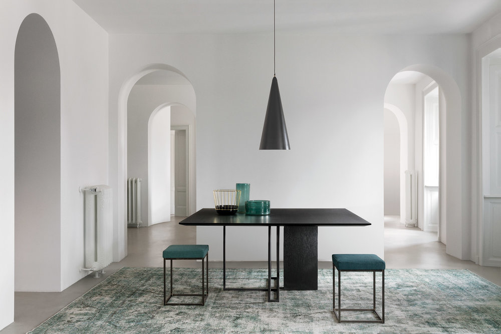 plinto-table-collection-meridiani-italian-furniture-brand_dezeen_2364_col_3.jpg