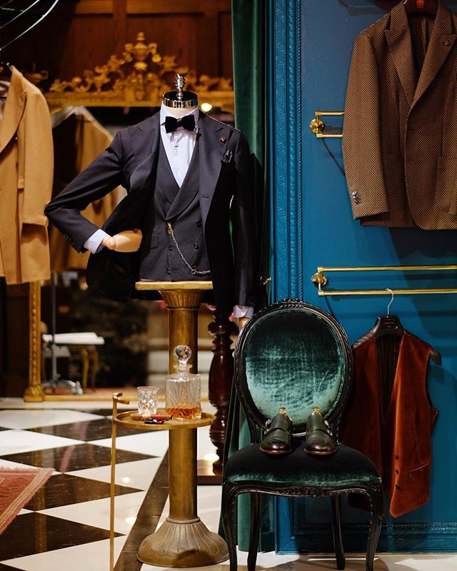 We are launching our online store very soon! We can't wait for all our international clients to have access to our collection by Italy's most respected sartorial brands.
