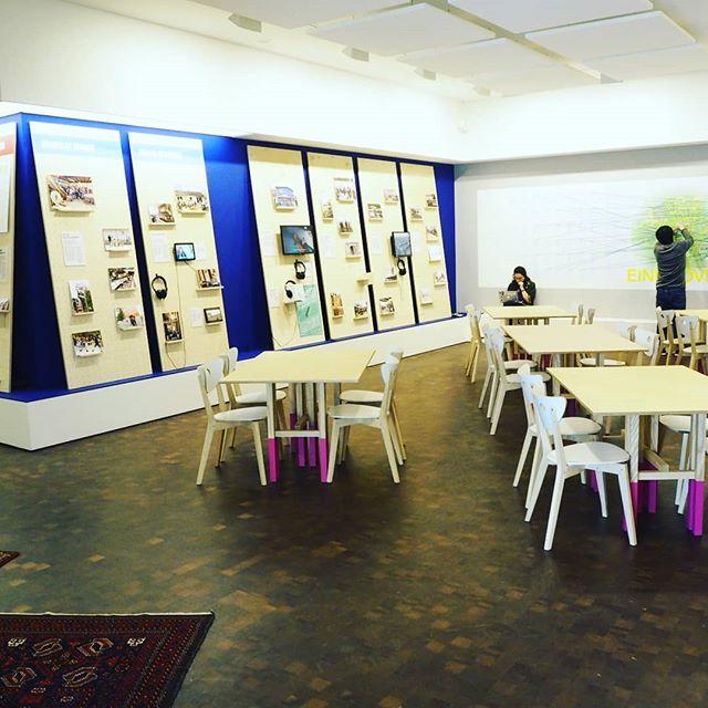 Finishing touches to the #agentsofchange expo at the  #werksalon @vanabbemuseum #tantenetty #uitdebuurtfabriek #eindhoven