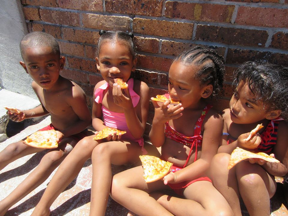 Teletubbies @ Sea Point Swimming Pool14.jpg