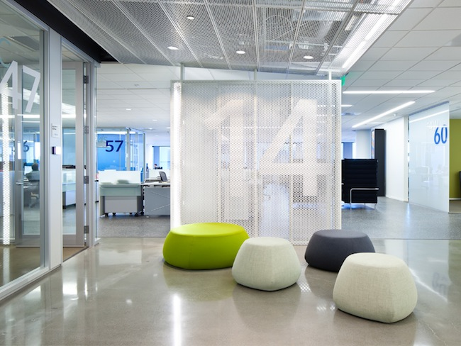 DIRTT-WorkspaceDesign_-6.jpg