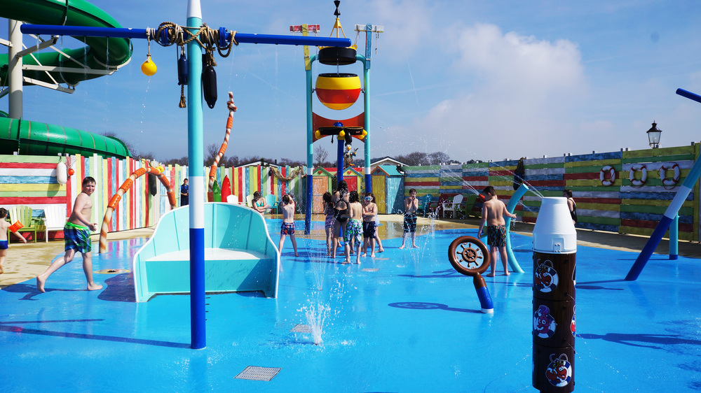 JULIANAHOEVE <strong>| Design and production of a beach-themed spray park</strong>
