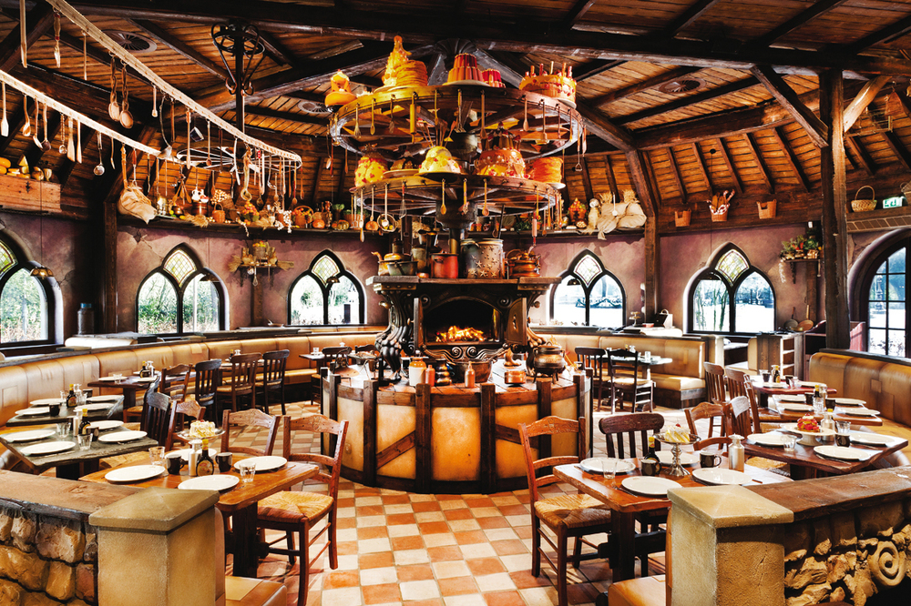 EFTELING POLLES KITCHEN <strong>| Production of a lavish restaurant interior</strong>