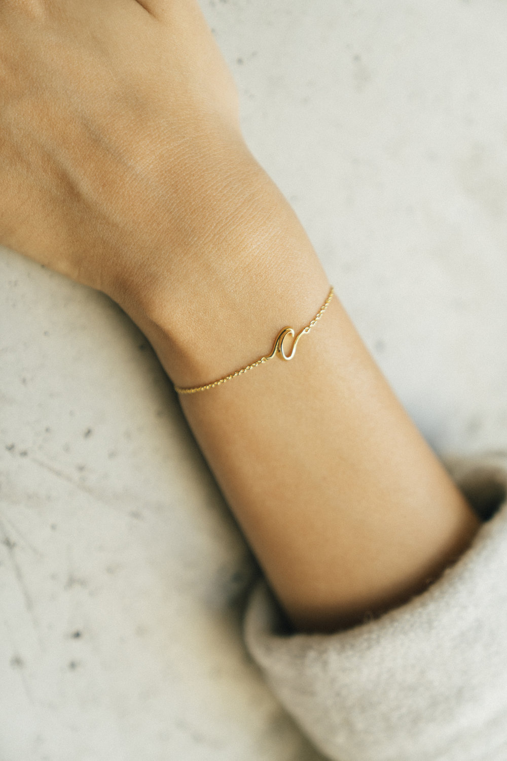 hey-yeh-joyce-chiang-calligraphy-bracelet-02.jpg