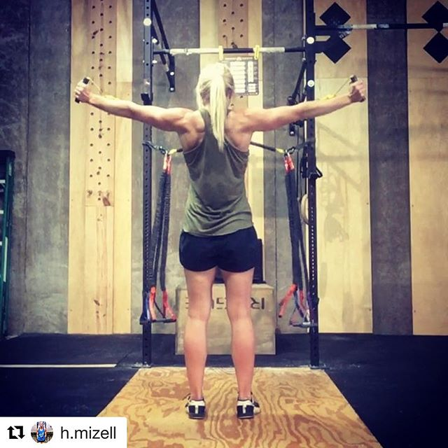 Feeling tightness or pain in your shoulders? @crossoversymmetry is a great dynamic warmup and helps prevent shoulder issues. @h.mizell has been doing it 4-5 times a week as part of her warm up. #upshotstrong
