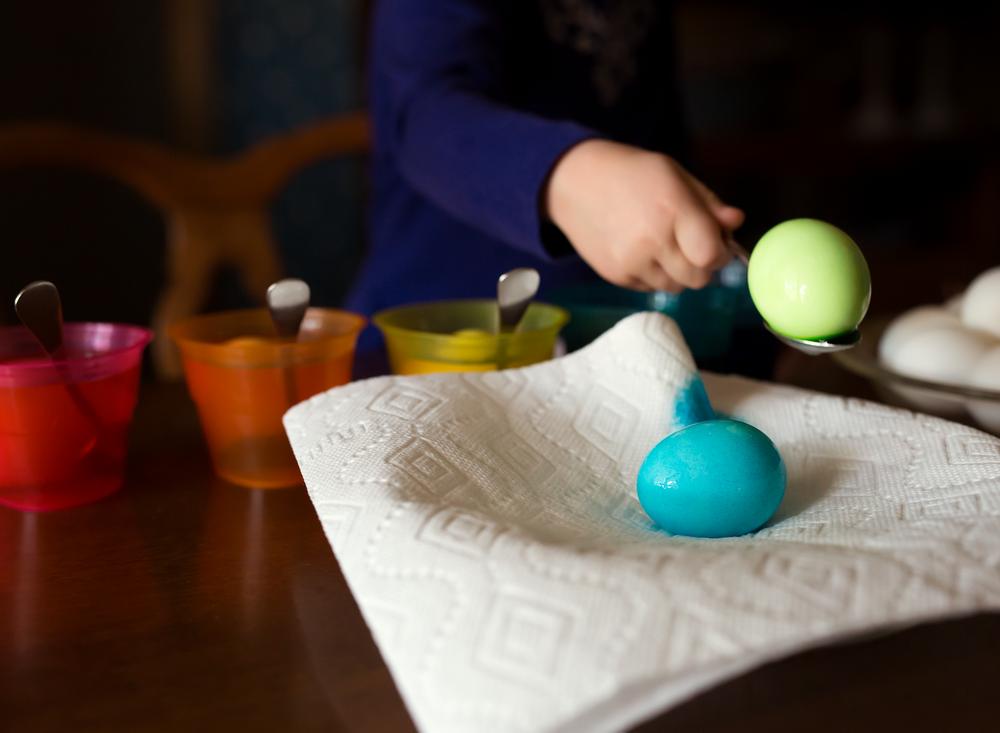 7799-Easter-egg-dye-2016-Edit.png