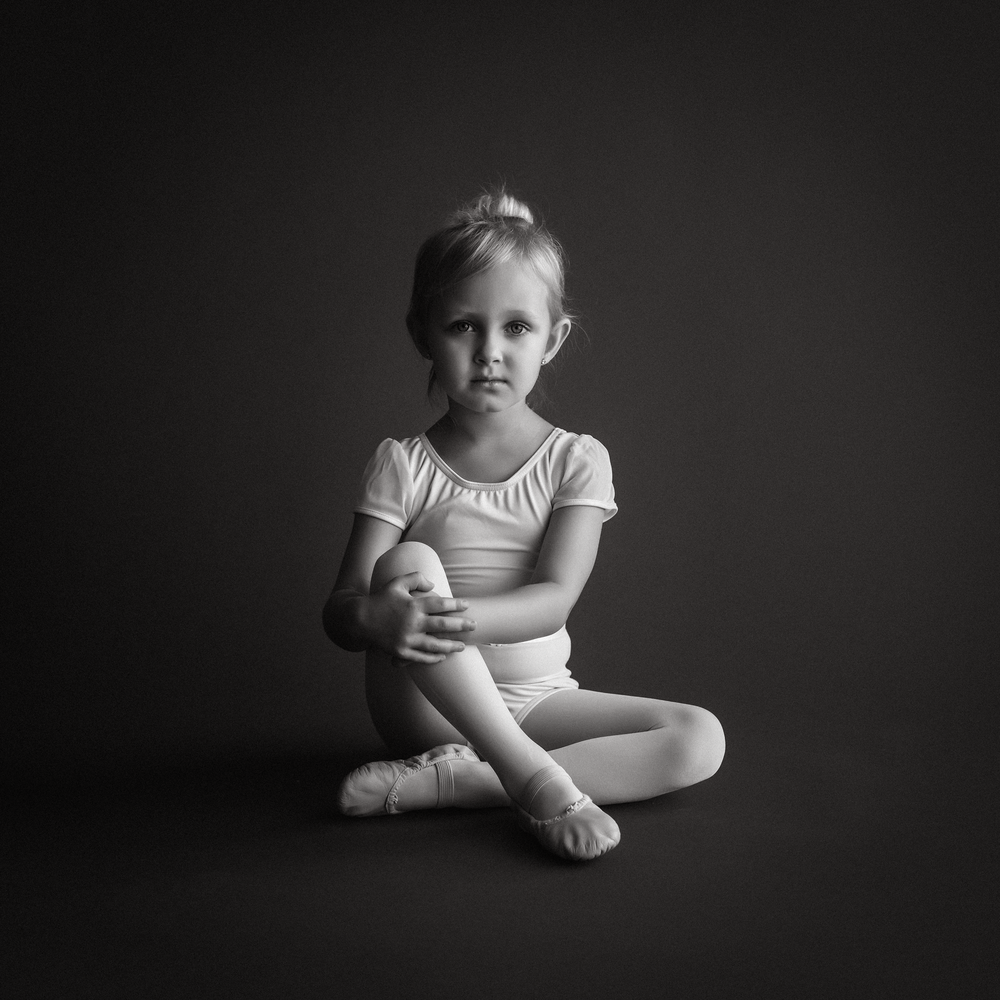 10 little ballerina pre-ballet first position garage studio natural light savage seamless thunder gray edmond ok photographer oklahoma city (1).png