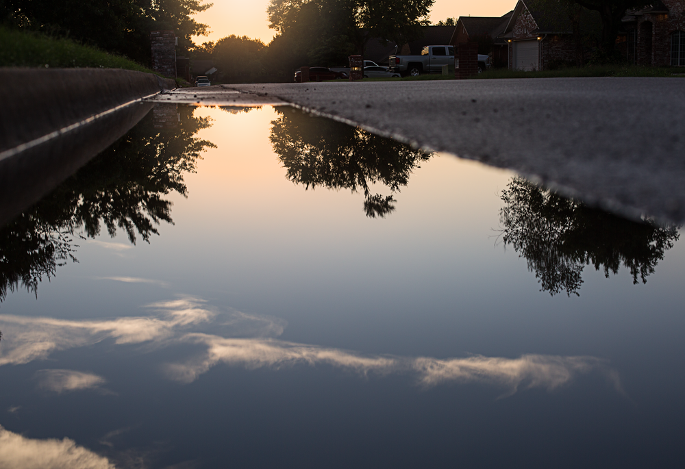 07 neighborhood sunset puddle reflection natural light urban landscape edmond ok photographer oklahoma city kate luber (1)