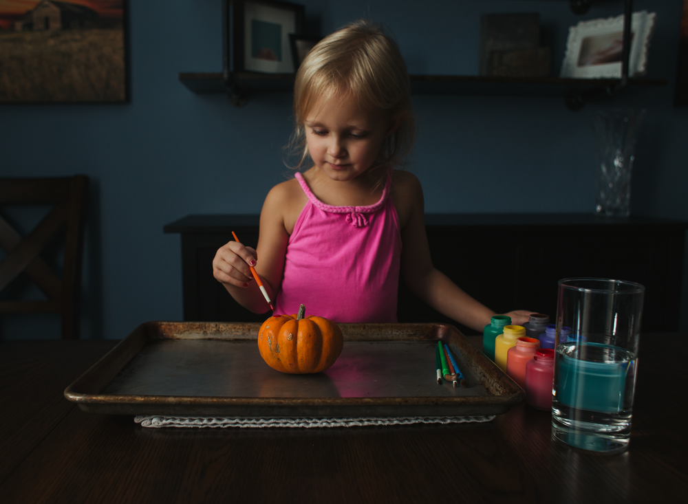 0001 painting pumpkins bounce flash photography black foamie thing child arts and crafts fall pumpkins edmond ok photographer oklahoma city (1).png