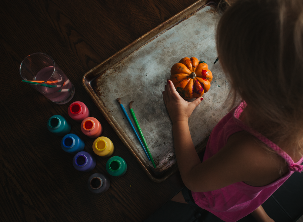 0001 painting pumpkins bounce flash photography black foamie thing child arts and crafts fall pumpkins edmond ok photographer oklahoma city (4).png