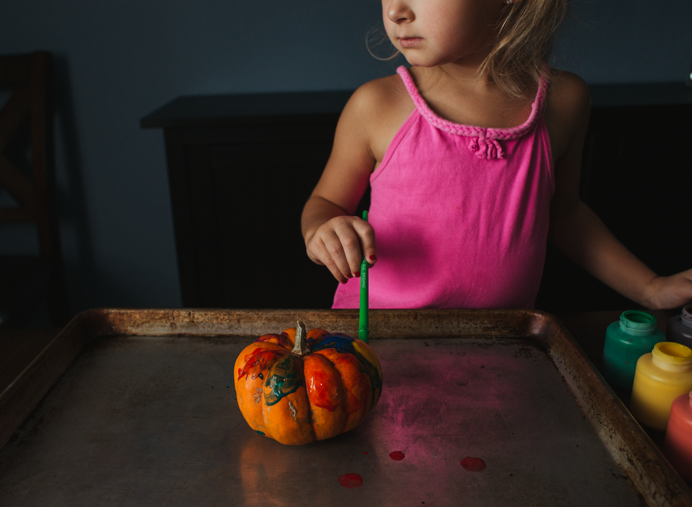 0001 painting pumpkins bounce flash photography black foamie thing child arts and crafts fall pumpkins edmond ok photographer oklahoma city (7).png