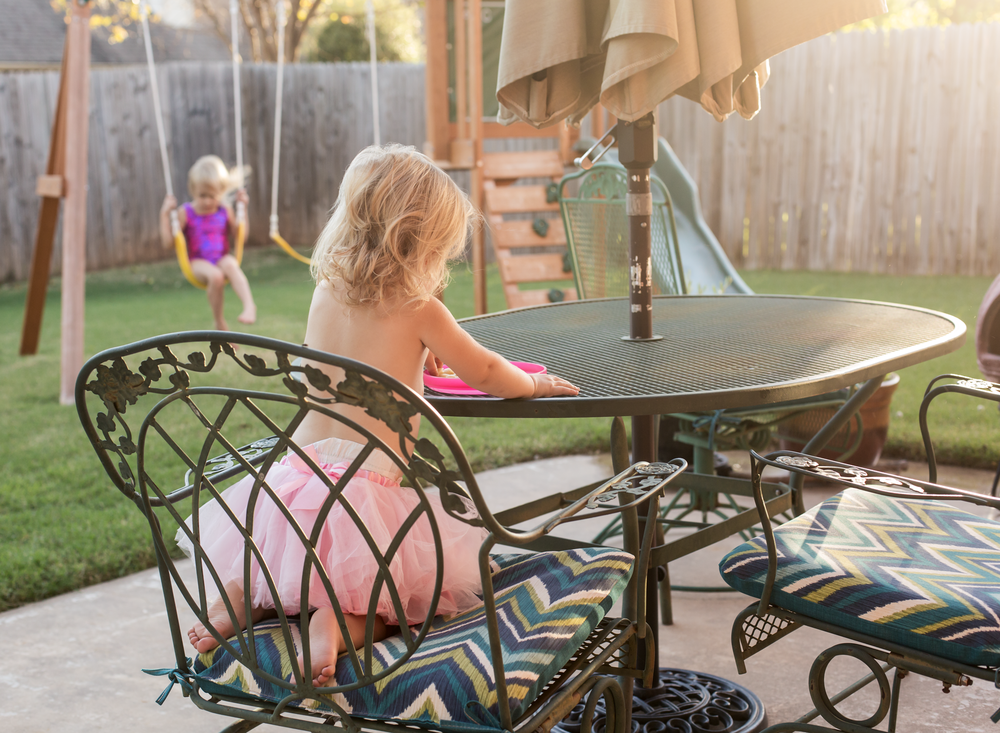 01 fall evenings sisters backyard swingset play eat dinner toddler siblings girls edmond ok photographer oklahoma city natural light lifestyle (6).png