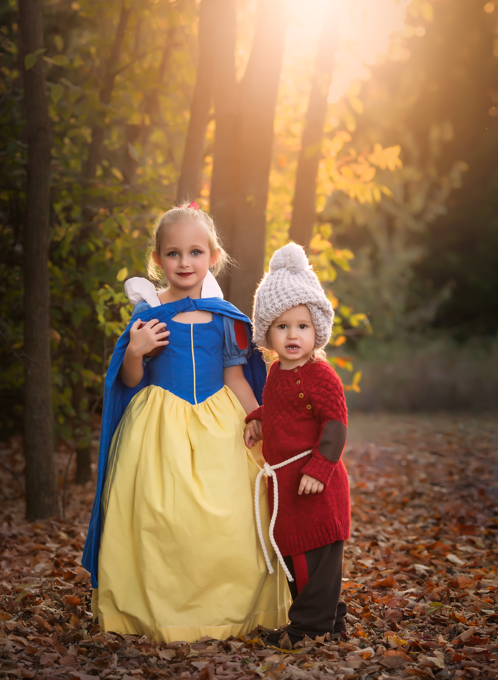 02 snow white and grumpy dwarf halloween disney toddler girl siblings sisters edmond ok photographer oklahoma city natural light (4).png