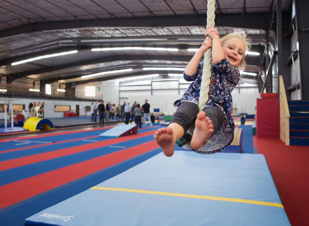 04 free reign birthday party gymnastics bounce academy yukon foam pit rope swing girl edmond ok photographer oklahoma city (2).png