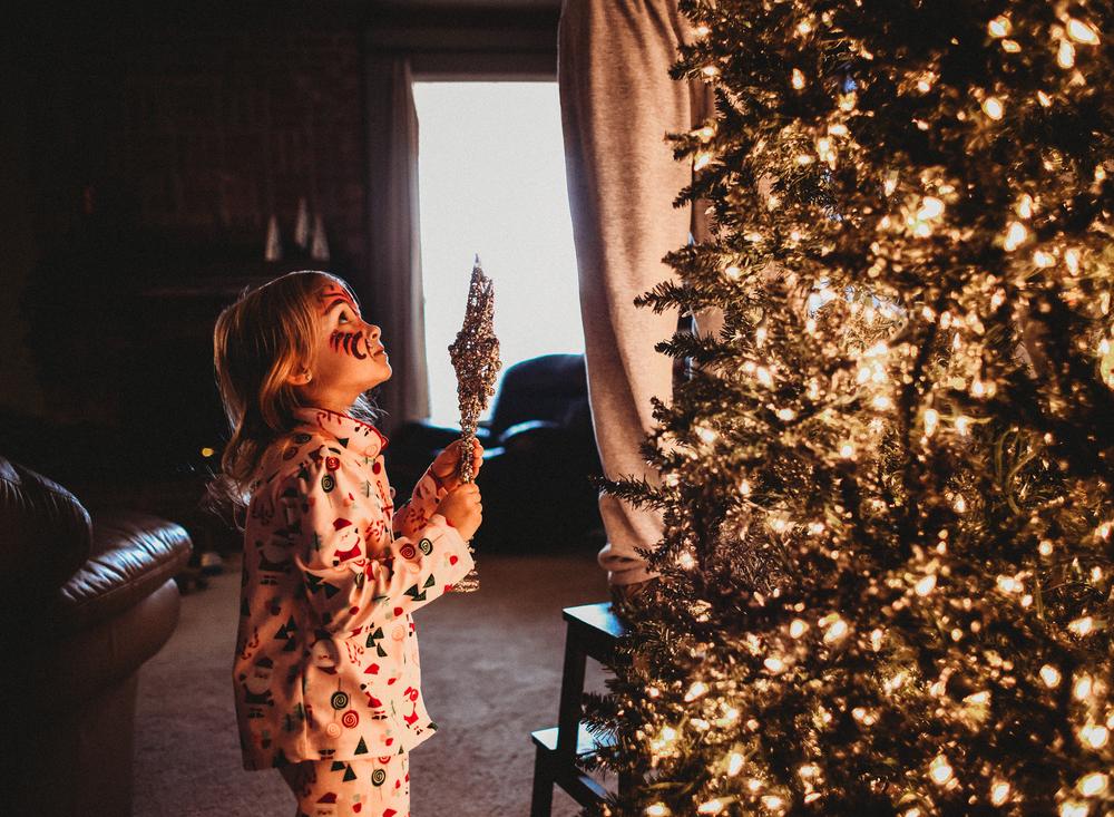 01 It's christmas time tree decorate child family natural light christmas lights family edmond ok photographer oklahoma city lifestyle (4).png