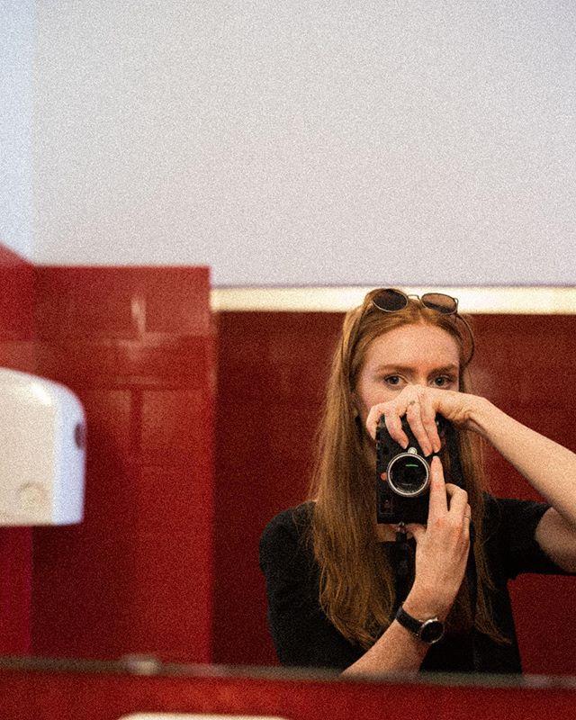 me in the mirror #serie #selfportrait #myself #mirrorselfie #mirror #selfie #toiletteselfie #redtoilette #portrait #memyselfandi #me #berlin #woman #redhair #redheadgirl #redhead #redheads #leica