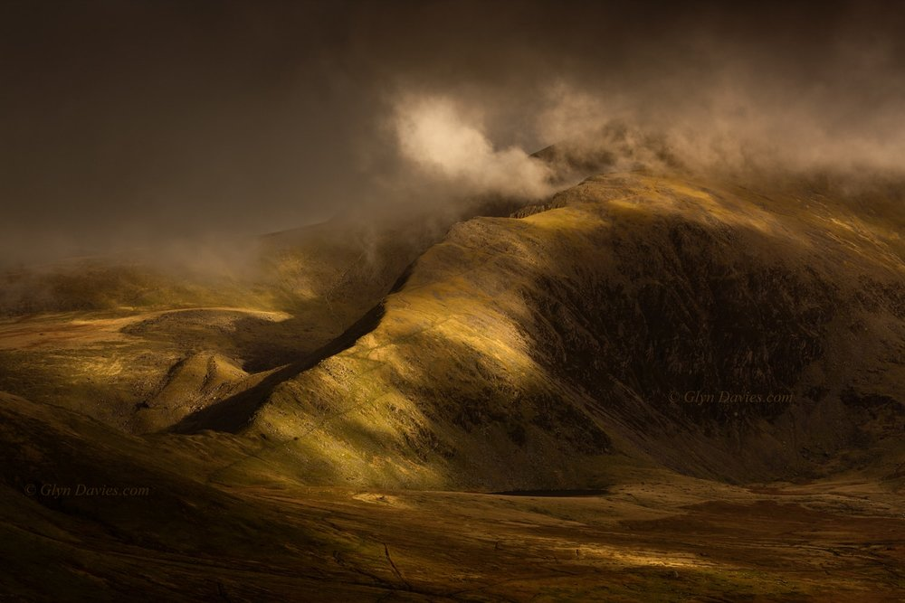"""Light Notes"" - The imposing massif of Yr Wyddfa, Wales' highest mountain - Canon 1DSmk3"