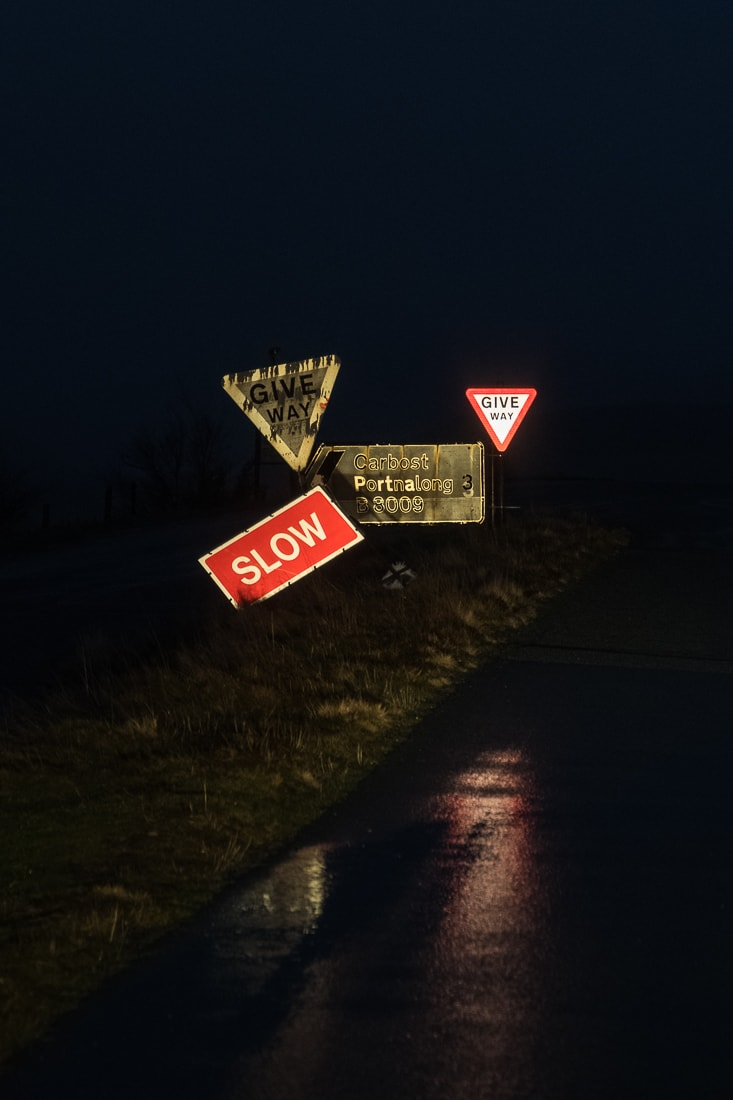 Road sign gang –  Fujifilm X-Pro2  &  XF16-55mm WR  (1/60th, f4, ISO1600)