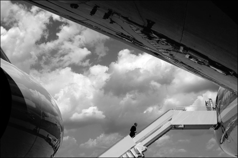 President Barack Obama boards Air Force One at Joint Base Andrews, Maryland for departure en route to South Bend, Indiana, June 1, 2016. (Official White House Photo by Chuck Kennedy).