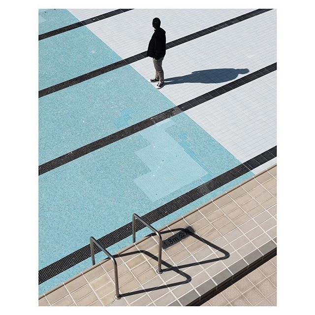 Photo: Nicholas Tai @nicholastaii When you're seeking an empty pool since 2016 and finally found one! That's what happened to Nicholas. I love the way he used the black lines as a pattern on the whole image. The blue and beige goes so well together. Make sure to visit his gallery for more. Submissions are open (via email on fujifeed.com) #xt2 #xf35mm #fujifeed