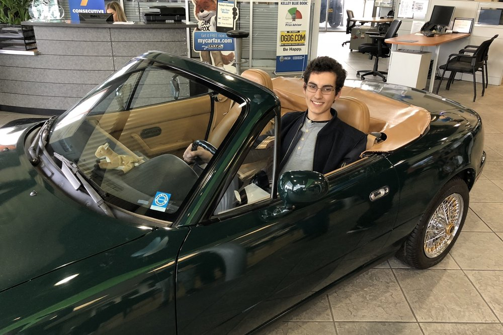 Stuart is a prospective member and is shopping for his first Miata. He seemed to really like this classic 1991 NA British Racing Green special edition.