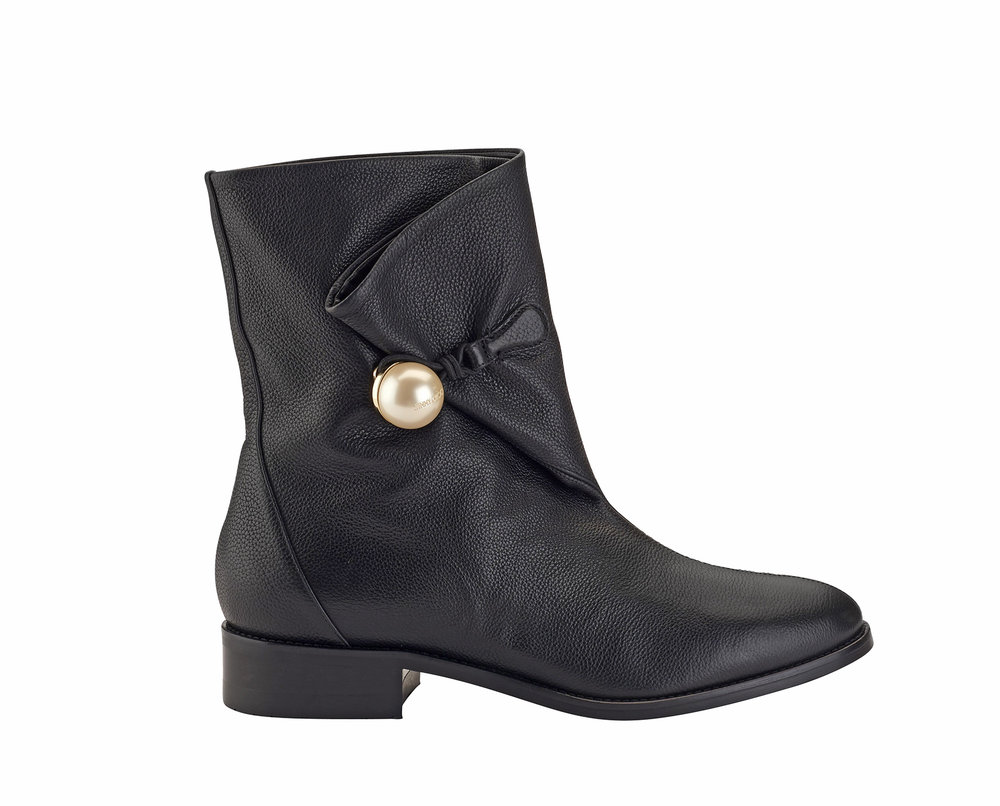 Beatrice Grainy Leather Flat Boot   Black