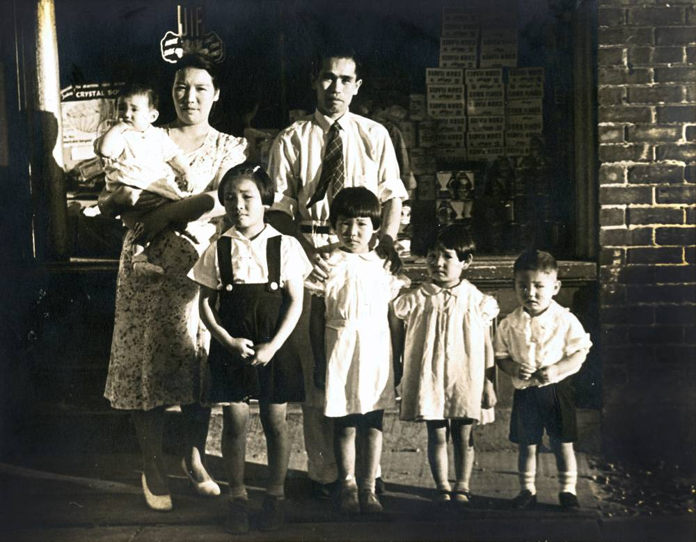 They were just kids! (Top row: Aunty Rosemarie, Great Grandma, Great Grandpa. Bottom row: Grandma, Aunty Joan, Aunty Rita, and Uncle Thomas).