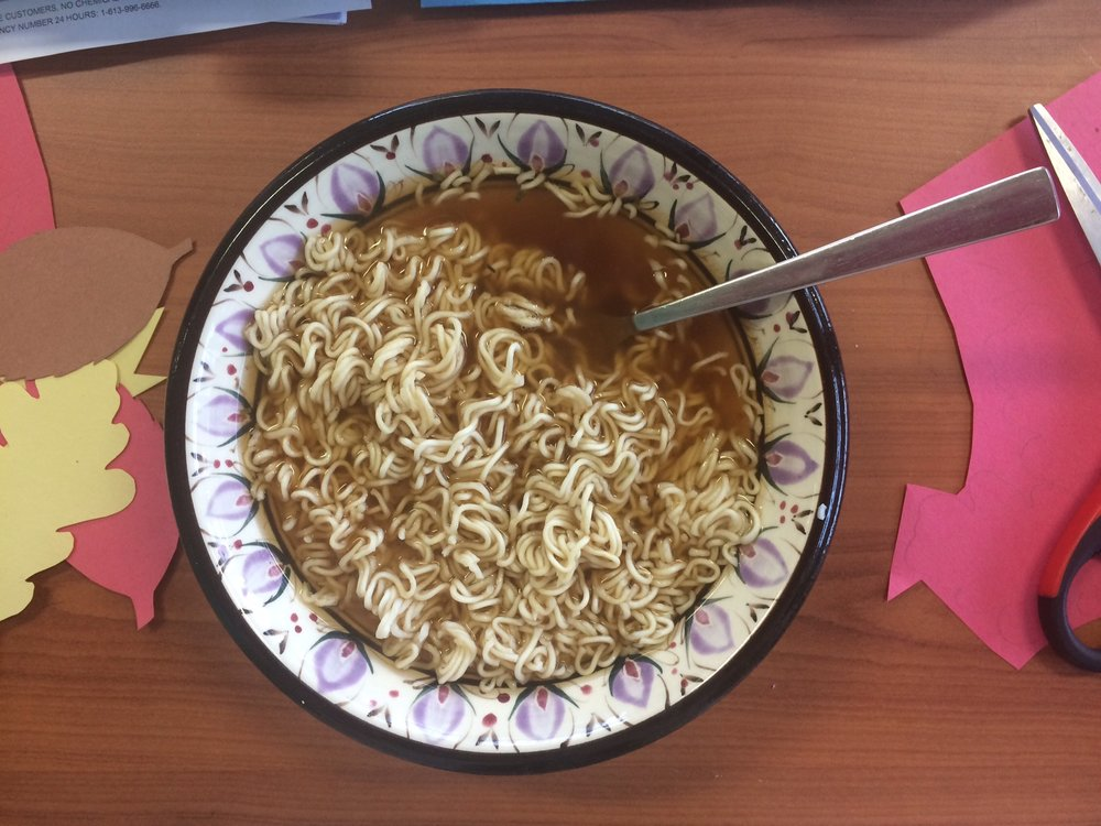 No Name beef flavour instant noodles feat. construction paper leaf shapes.
