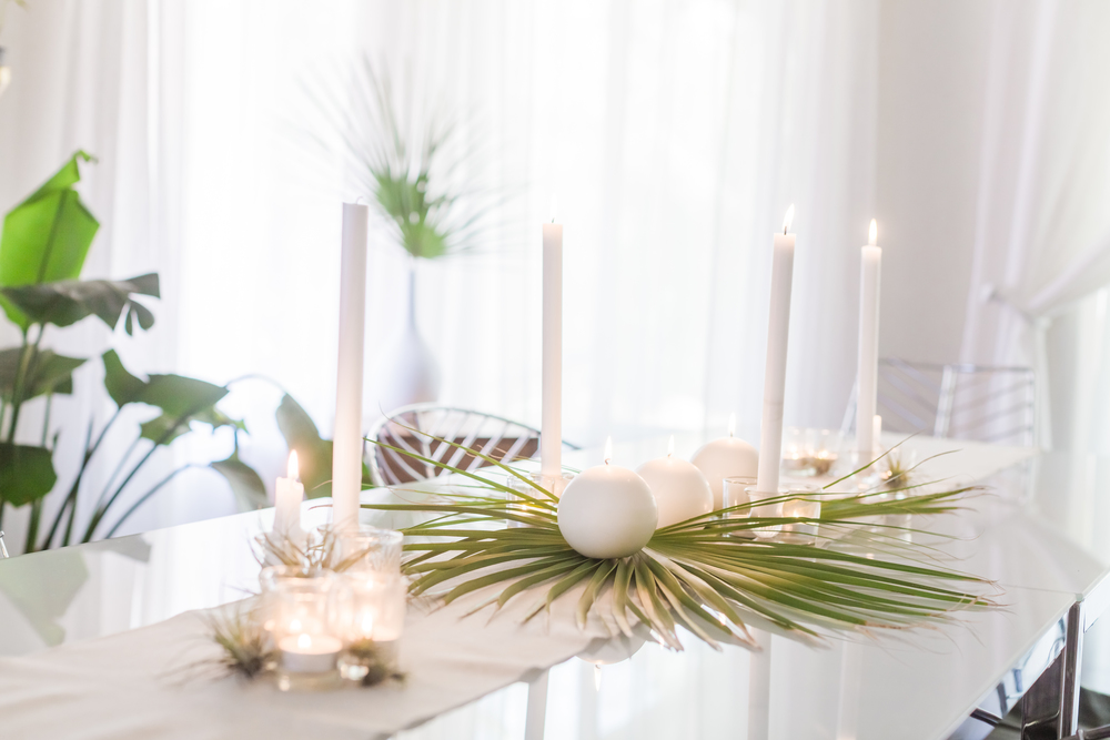 Palm Leaf Spring Tablescape Sunday Holiday Party Decor
